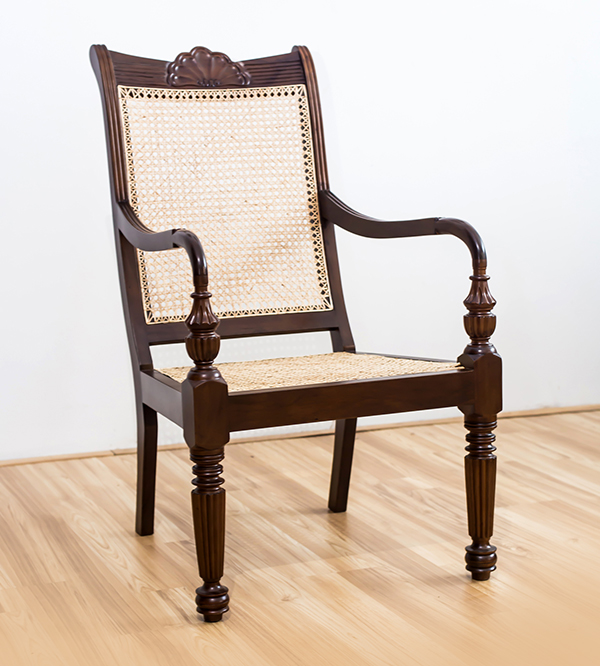 SHELL VARANDHA CHAIR